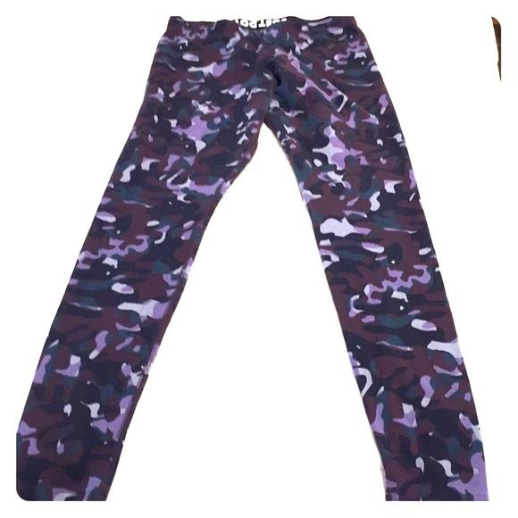 f0cceced67 Purple Camo Cotton Nike Legging. M 5a5267b52c705d16f0016074
